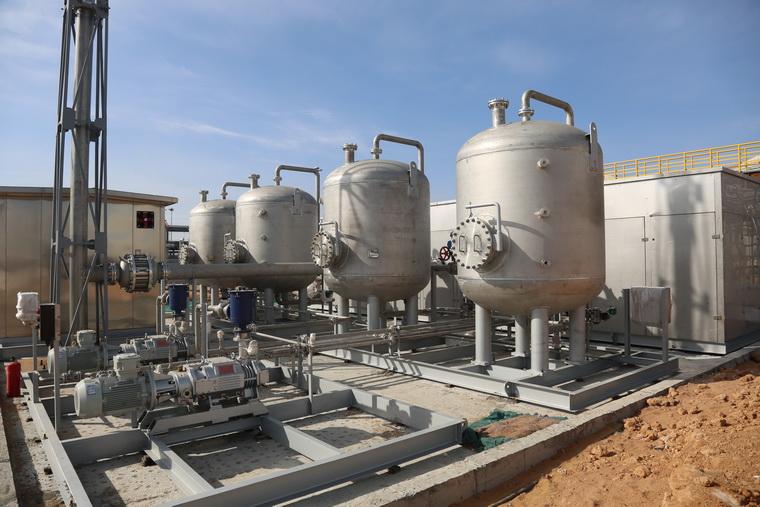 图为榆能化油气回收项目撬装设备现场.jpg