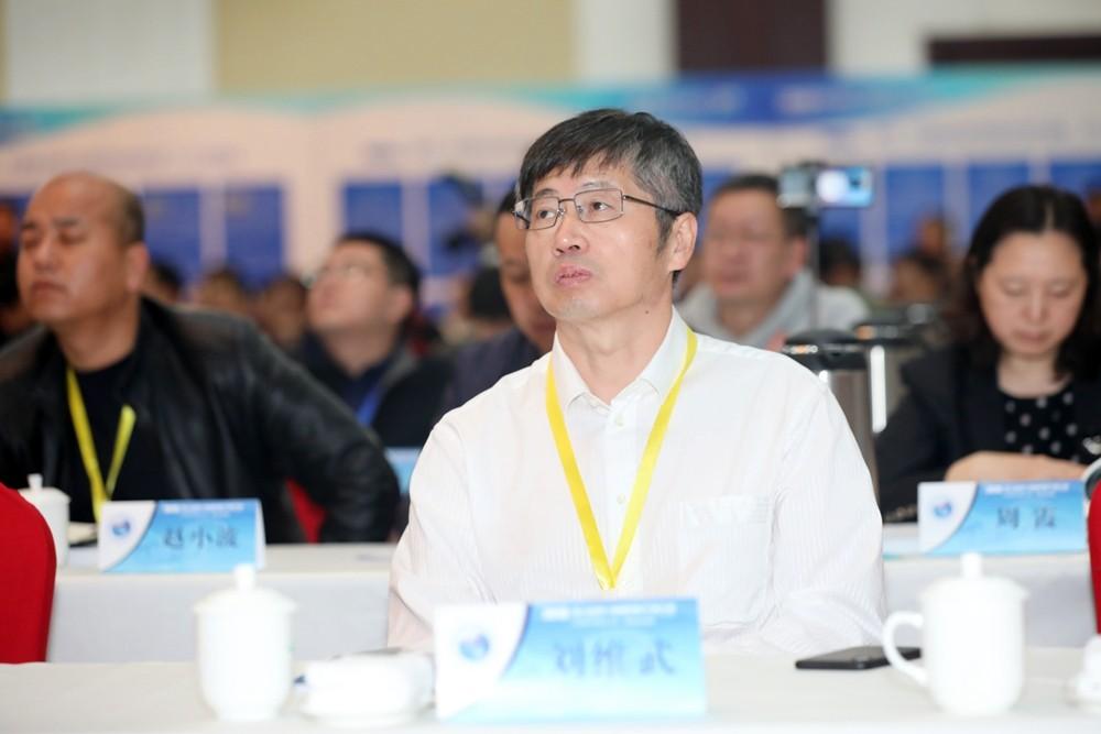 庆新油田公司总经理刘维武.jpg