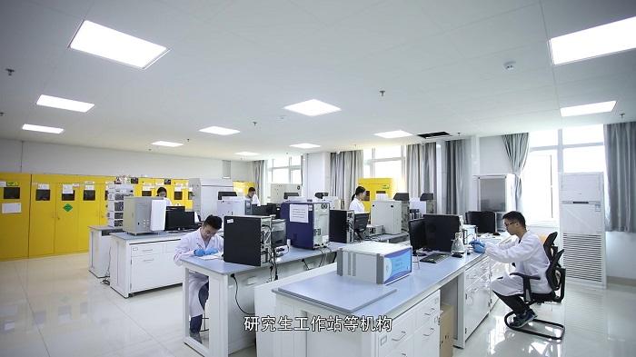 實驗室照片 (1).jpg